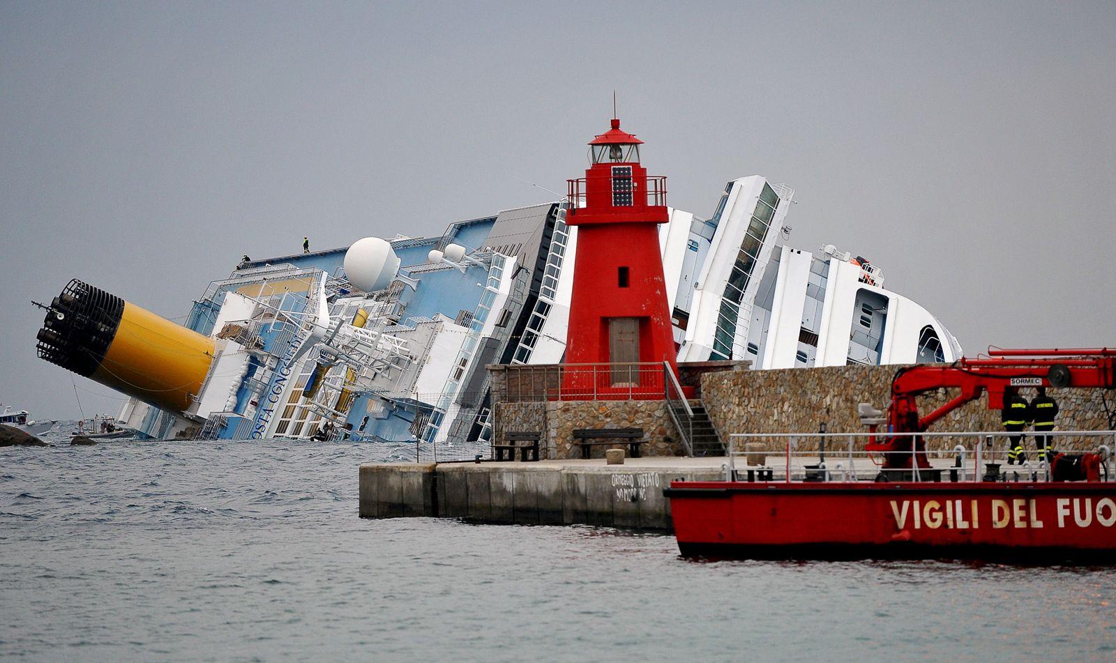 Costa Concordia/ Havarie/ Bergung