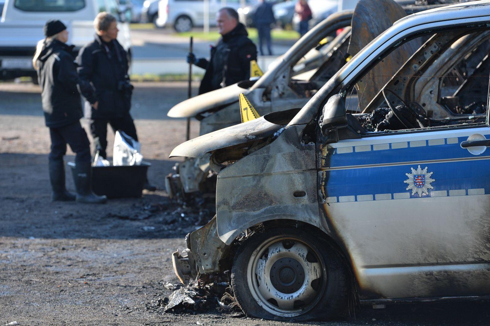 Brandanschlag / Polizeiautos