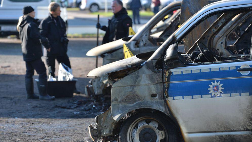 Brandanschlag in Thüringen: Unbekannte zünden Polizeitransporter an