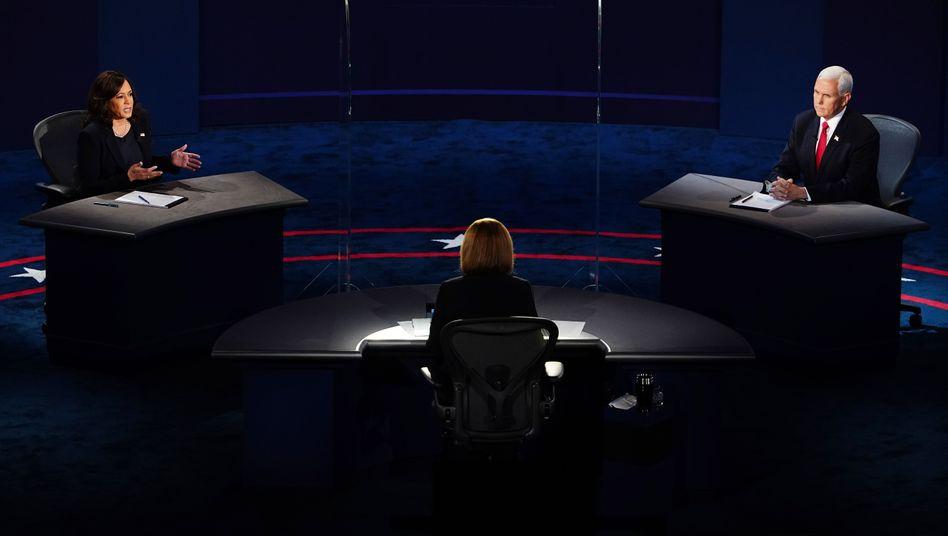 Kandidaten zwischen Plexiglas: Harris und Pence bei ihrer TV-Debatte