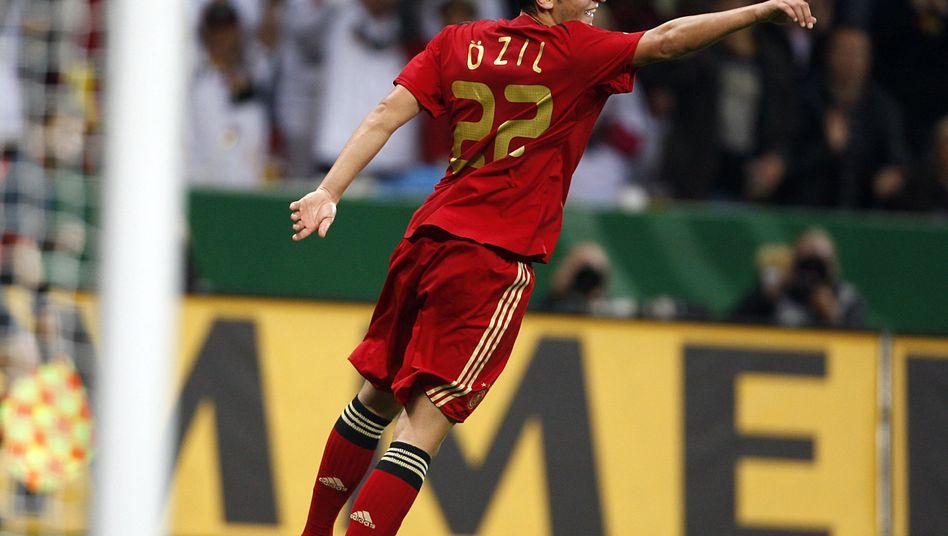 Nationalspieler Özil: Gegen Südafrika erstmals in der Startelf