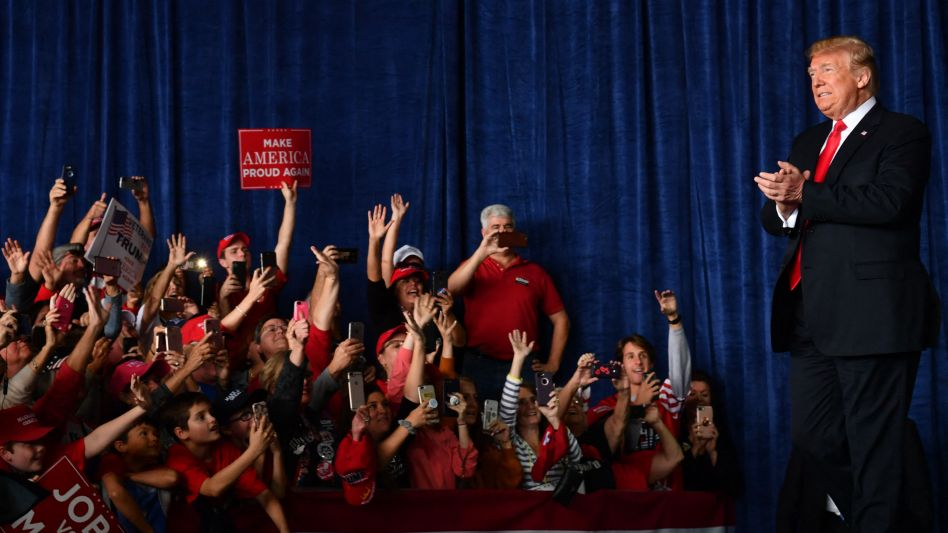 Bilder aus dem Wahlkampf 2020: Trump-Anhänger jubeln dem damaligen US-Präsidenten zu