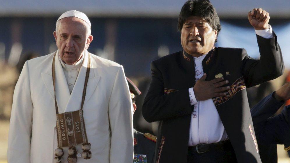 Papst Franziskus in La Paz: Große Höhe, dicke Backen