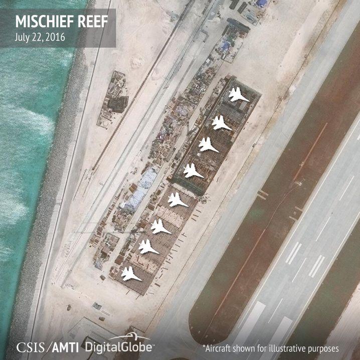 Chinesische Militärmaschinen auf Mischief (Archiv)