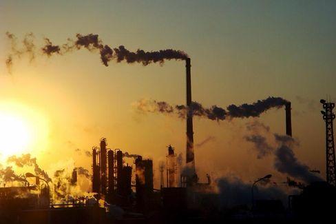 Chemiefabrik in China: Das Land reklamiert eine nachholende Entwicklung beim fossil befeuerten Wohlstand