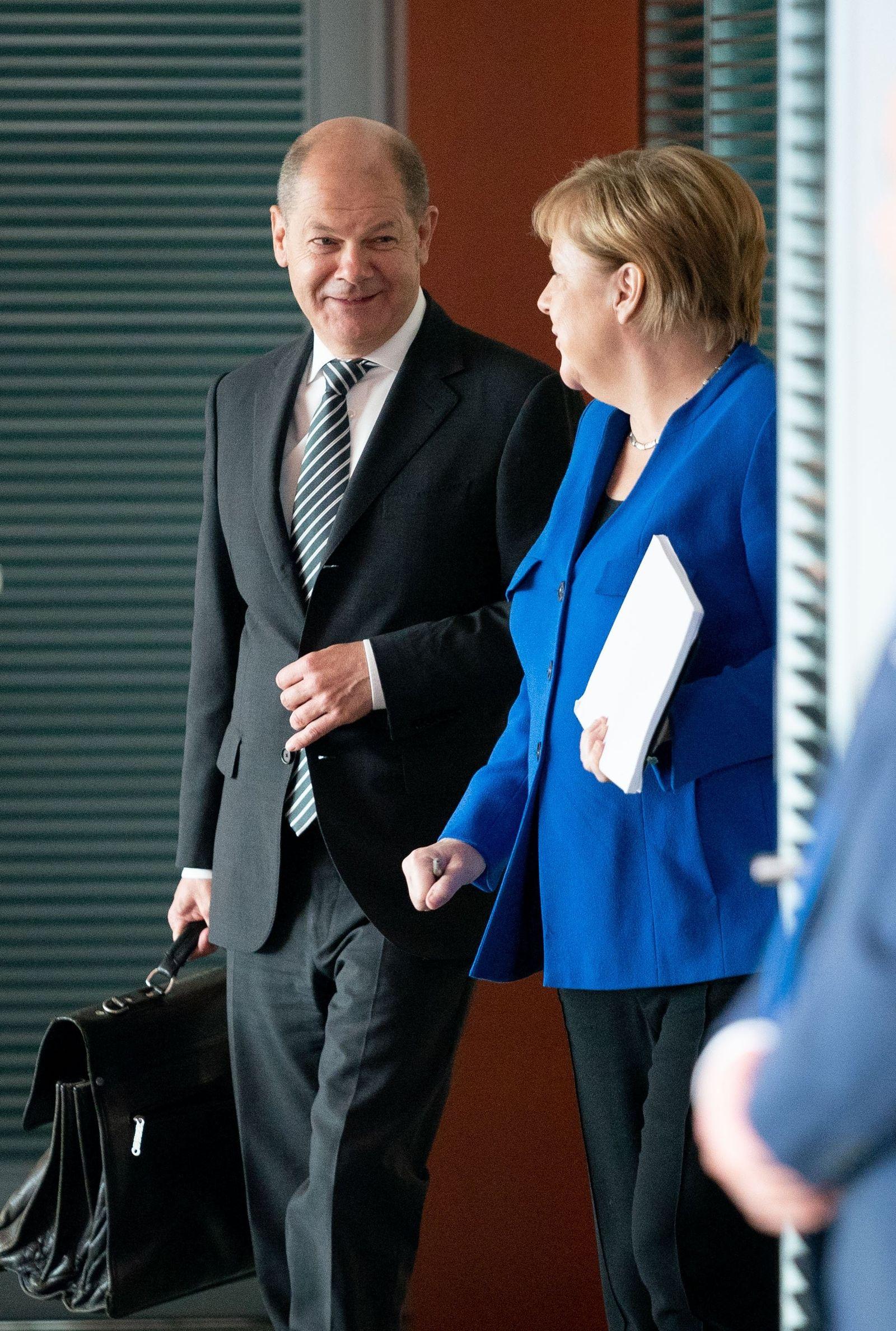 Scholz, Merkel