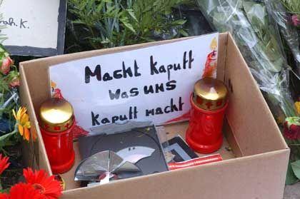 Abfallbox für Computerspiele vor dem Gutenberg-Gymnasium in Erfurt