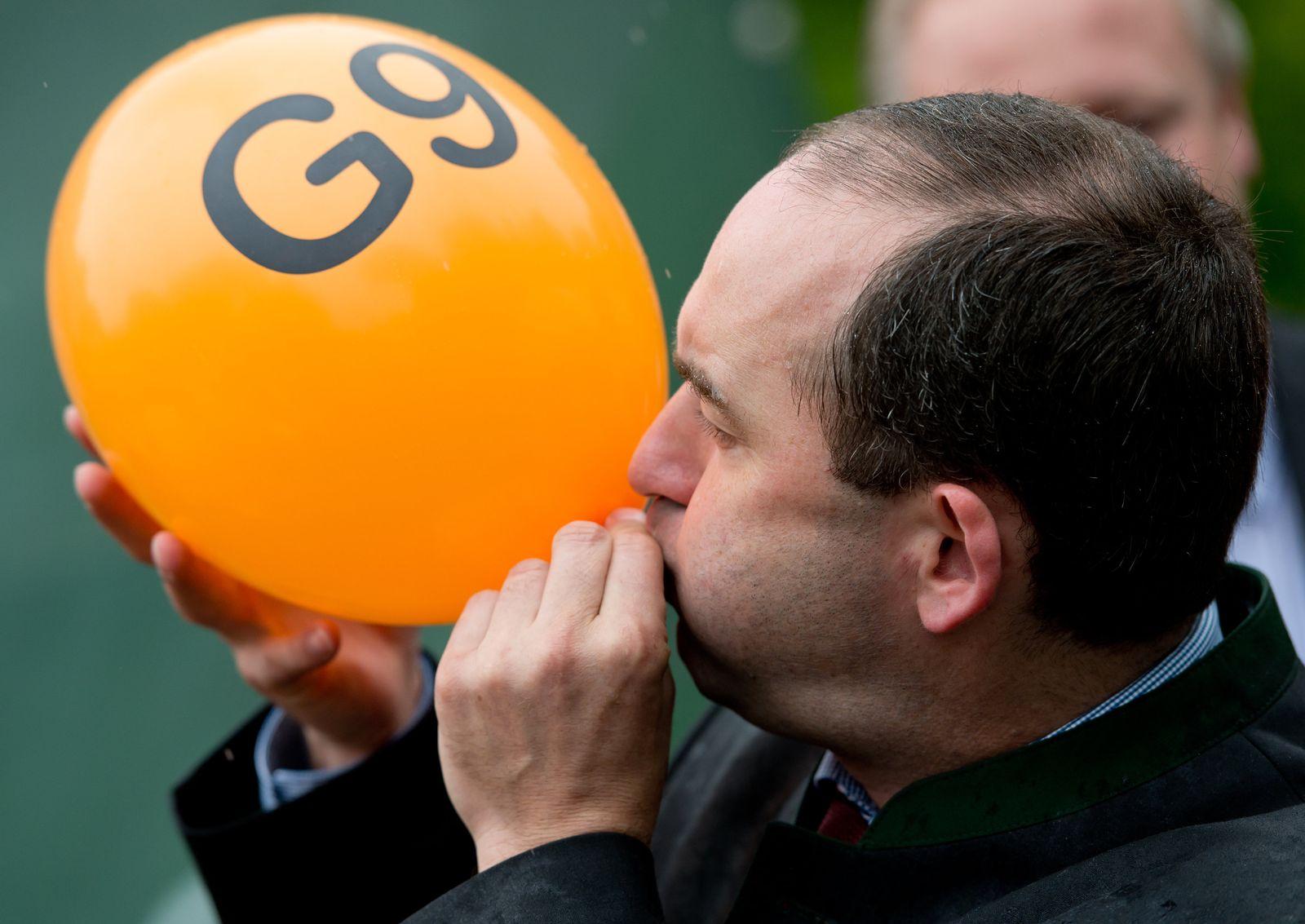 Volksbegehren zu G8 und G9