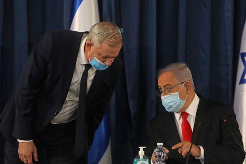 Premier Benjamin Netanyahu (r.), Verteidigungsminister Benny Gantz