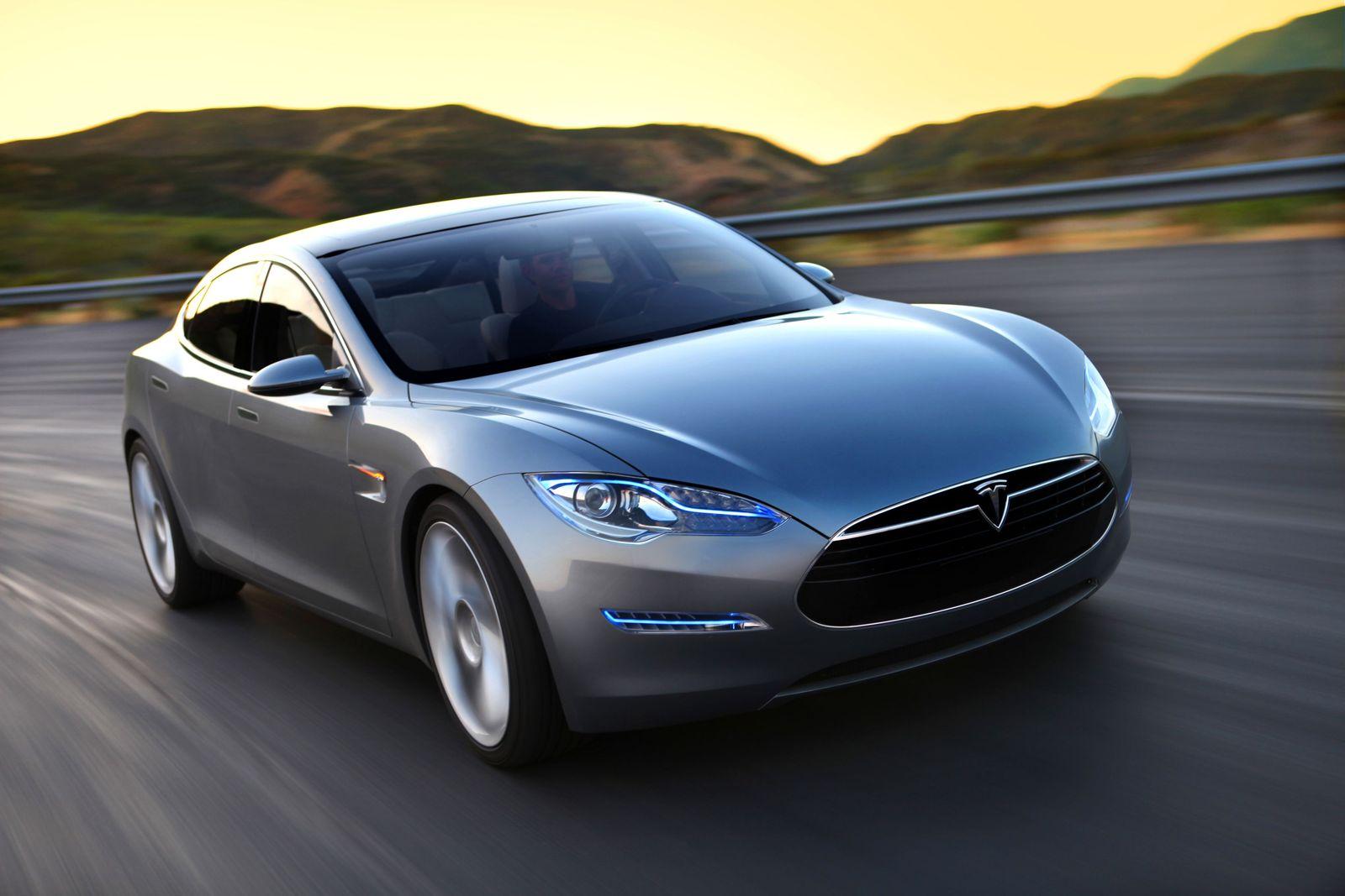 KaSP Dienstwagen-Quiz / Fahrzeug: Tesla Model S