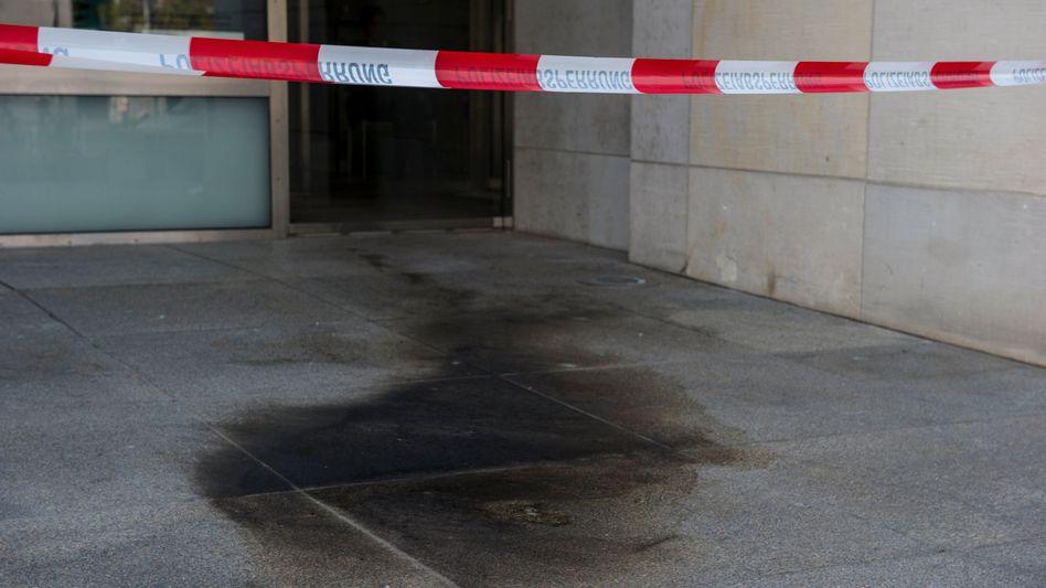 Tatort am Reichstagsgebäude: Brandanschlag aus Fremdenhass?