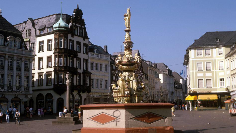 Brunnen in der Trierer Innenstadt: Das perlt!