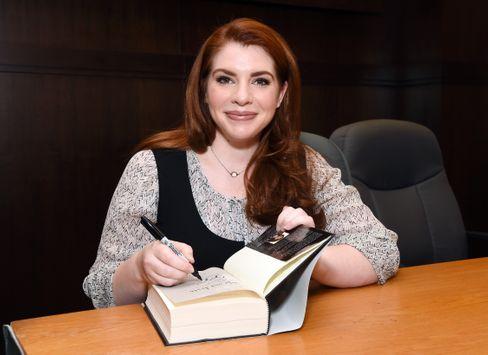 Autorin Meyer: Schreibt mit Tinte über Blut