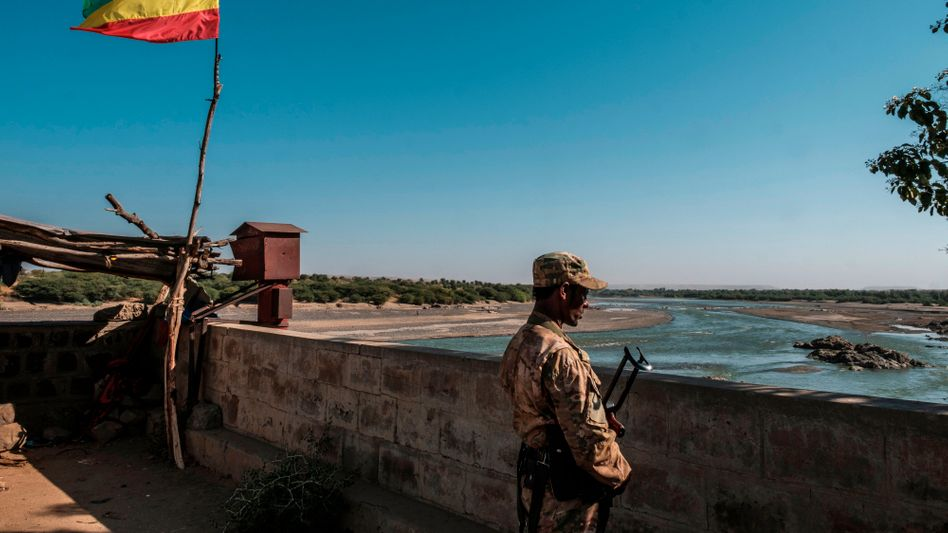 Äthiopisches Militär an der Grenze zu Eritrea: Berichte über Plünderungen und Morde häufen sich