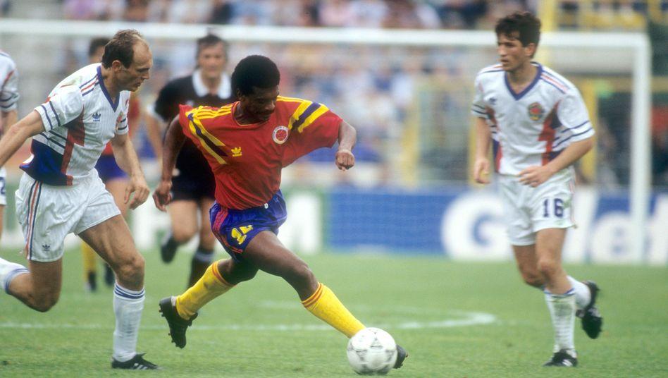 """Szene aus Kolumbien-Länderspiel (1990): """"Wir erwarten Sie bei der WM"""""""