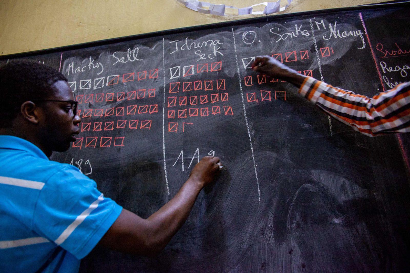 Stimmauszählung im Senegal