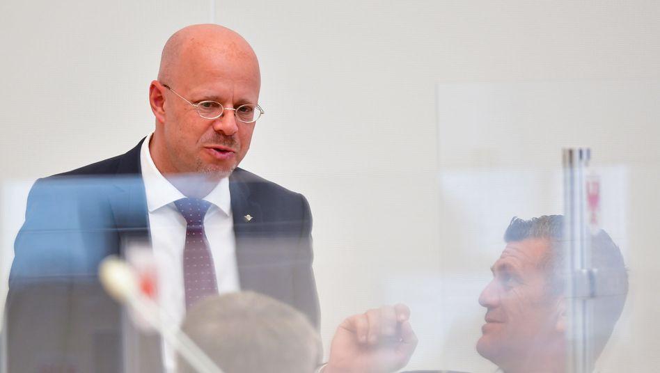 AfD-Politiker Andreas Kalbitz (l.)