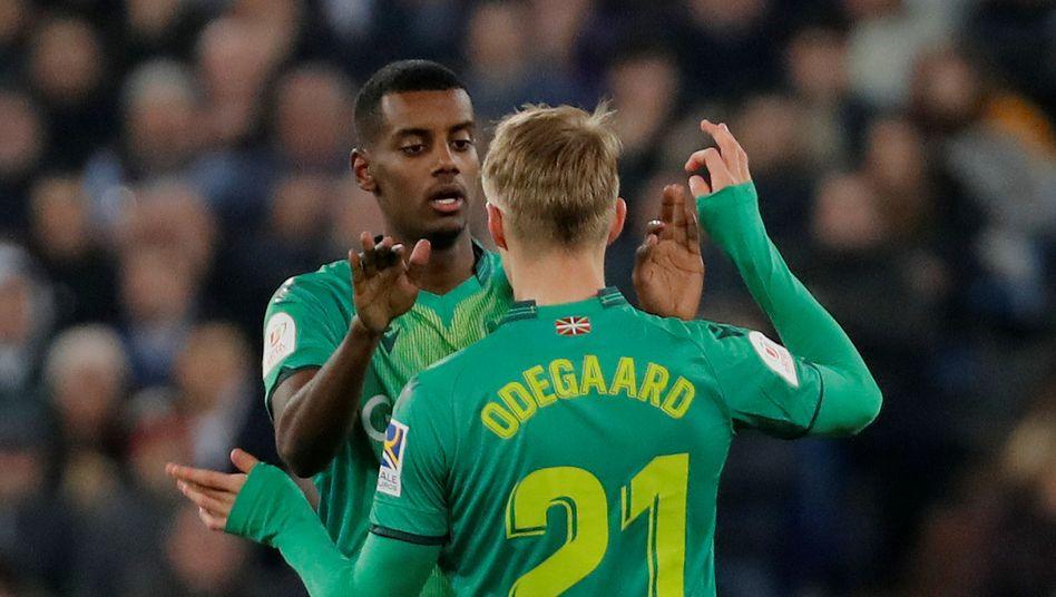 Alexander Isak und Martin Odegaard von Real Sociedad