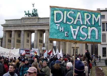 Antikriegsplakat in Berlin