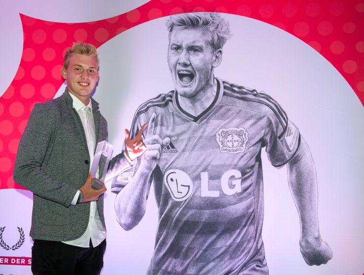 """Jungstar Julian Brandt: Als """"Newcomer der Saison"""" ausgezeichnet"""