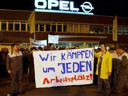 """Blockade an der Zufahrt zum Bochumer Opelwerk: """"Hier machen alle mit"""""""