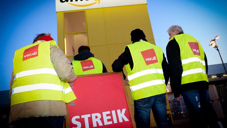 """Streikende bei Amazon (im Dezember 2014): """"Wir zahlen gutes Geld"""""""