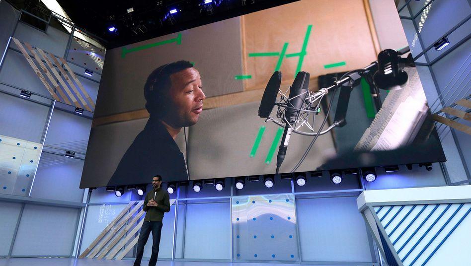 Google-CEO Sundar Pichai beschreibt, wie sein Unternehmen die Stimme des Musikers John Legend digitalisiert.