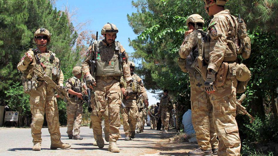 Afghanische Sicherheitskräfte im Einsatz gegen Taliban-Kämpfer: Pakt mit Pakistan