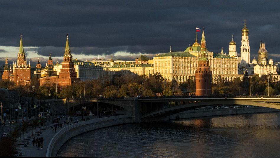 """Kreml: Wladimir Putins Sprecher Dmitrij Peskow sagte, die russische Regierung wolle nicht, """"dass unsere Partner in Deutschland und anderen europäischen Ländern vorschnell urteilen"""""""