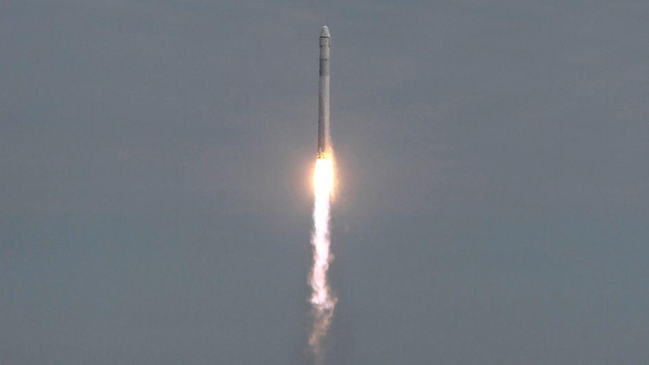 """""""Falcon 9""""-Rakete mit Raumfrachter """"Dragon"""": Ausfall von drei der vier Korrekturdüsen"""