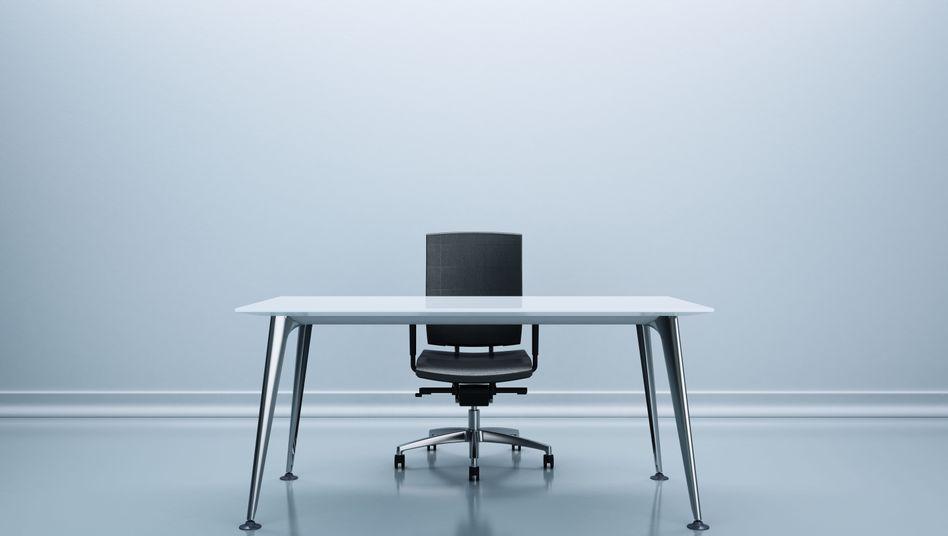Ein schicker Schreibtisch. Nicht im Bild: eine Führungskraft