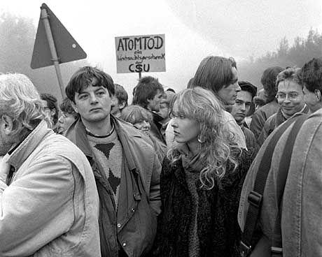 Fischer 1985: Auf einer Demo in Wackersdorf