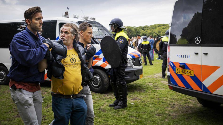 Festnahme in Den Haag: Bereits vor der Demonstration wurde befürchtet, dass es zu Ausschreitungen kommen könnte