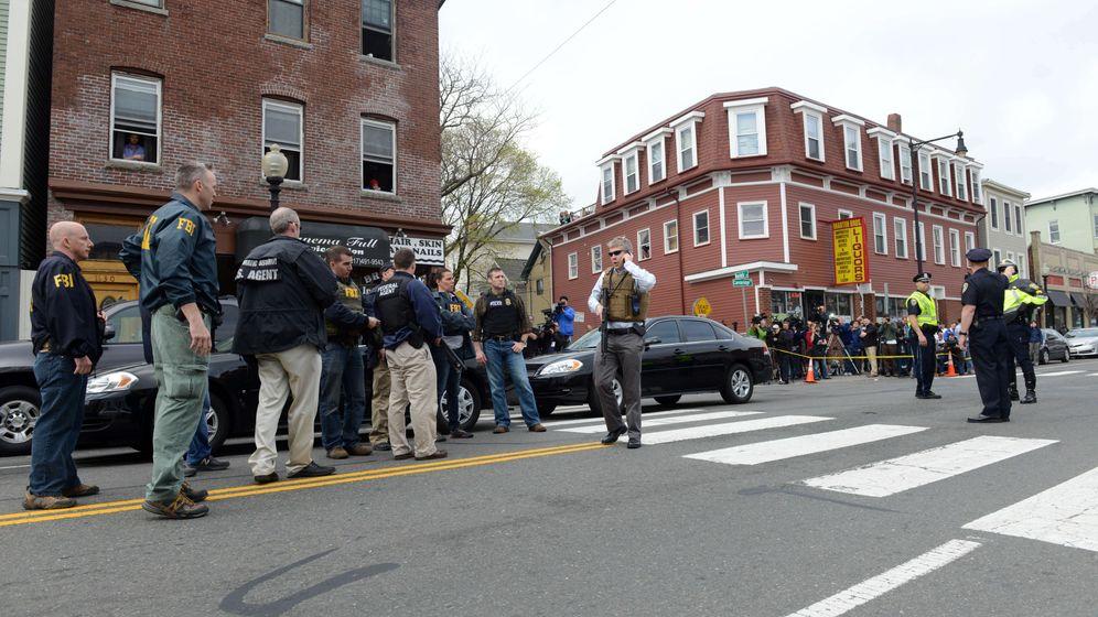 Großfahndung nach Bombenleger: Boston im Ausnahmezustand