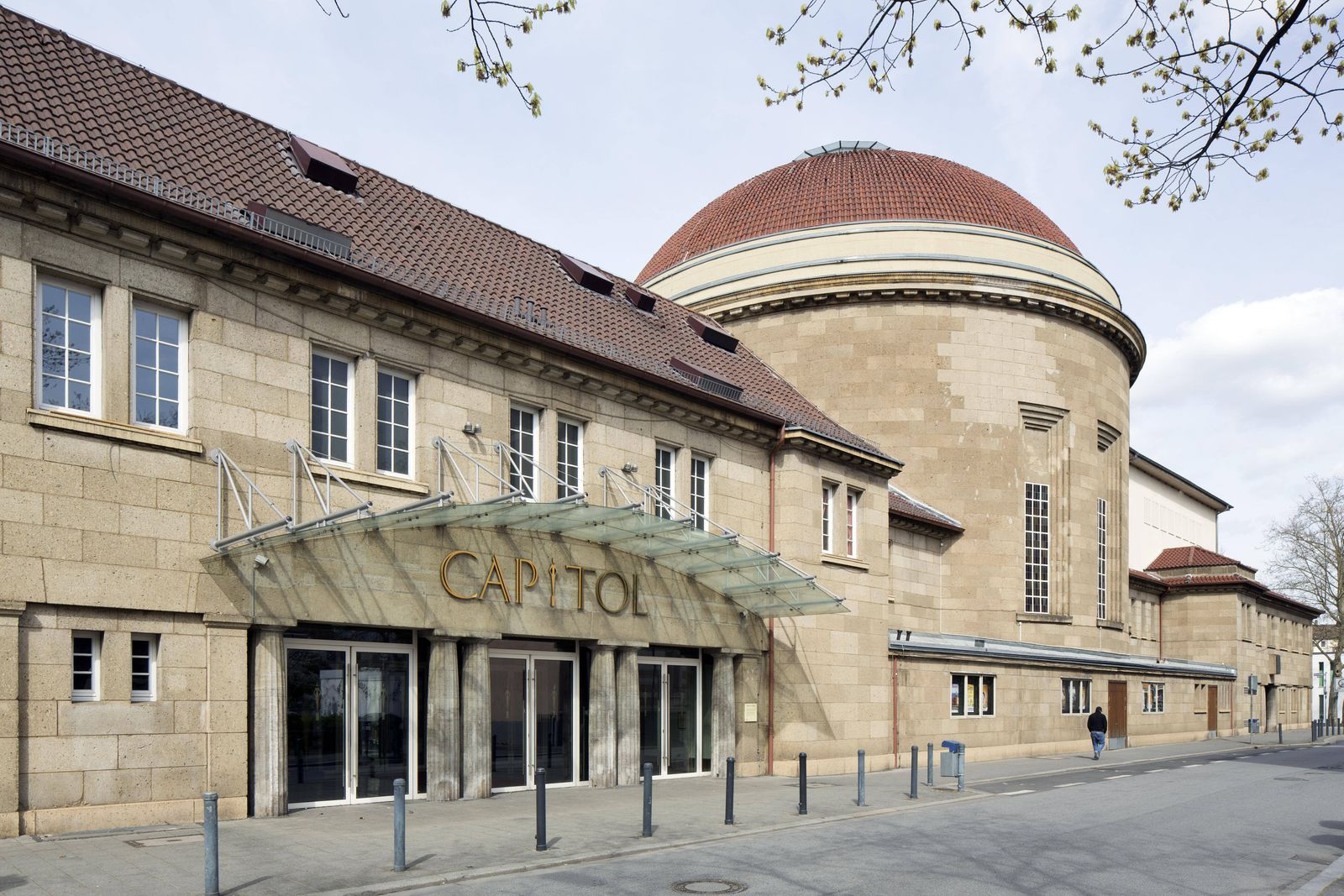 Ehemalige Neue Synagoge der jüdischen Gemeinde Offenbachs von 1916 heute Theater Offenbach am Mai