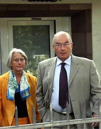 Innenminister Schönbohm mit Ehefrau: Tektonische Verschiebungen