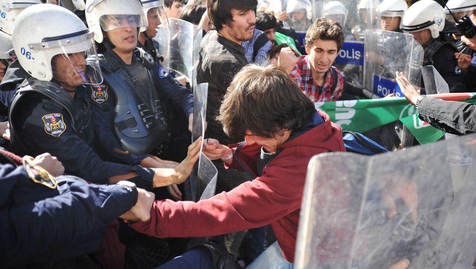 Demo in Ankara: Polizei nahm 26 Studenten fest