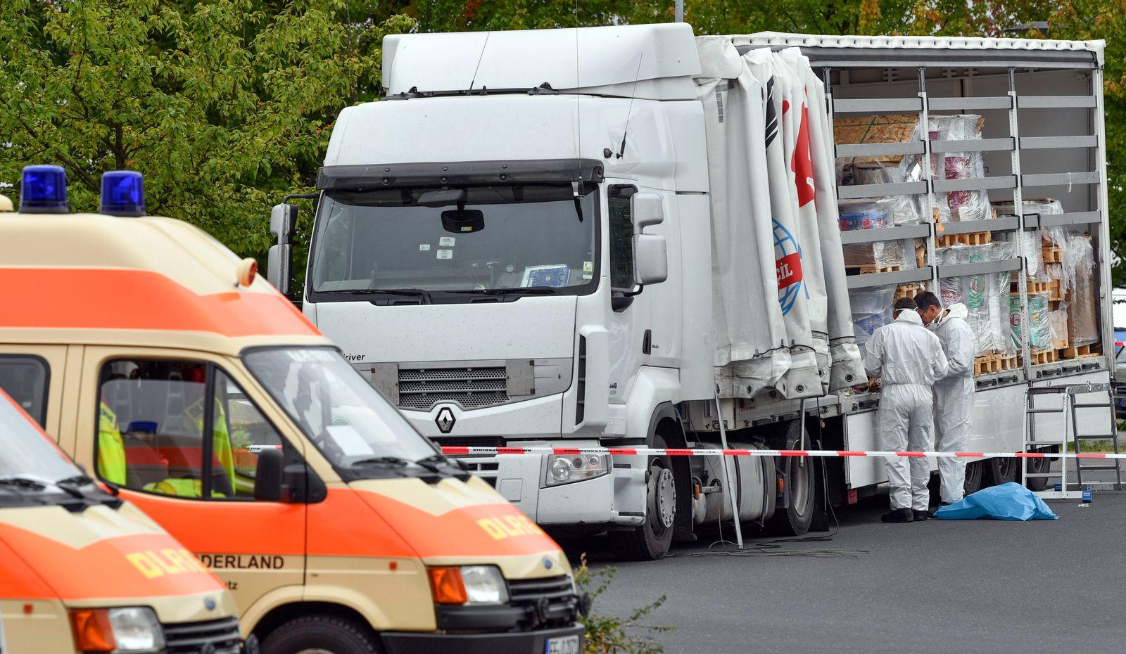 A12/ Schleuser/ Lastwagen