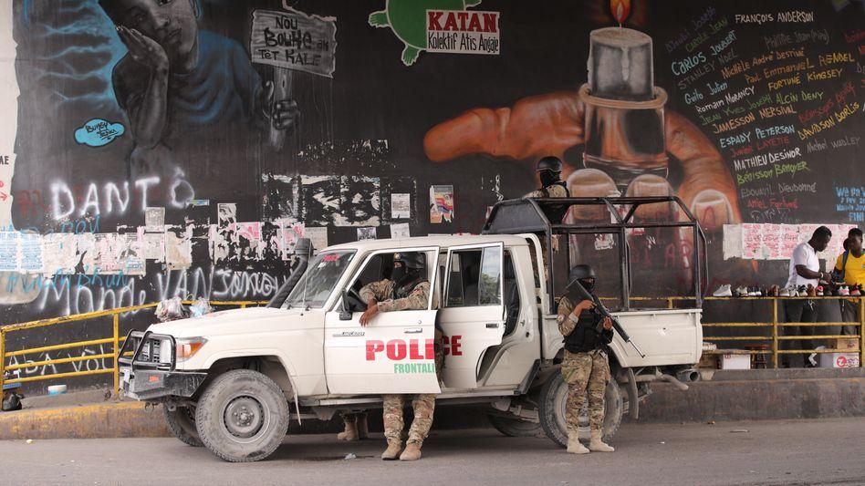 Polizei auf den Straßen von Port-au-Prince