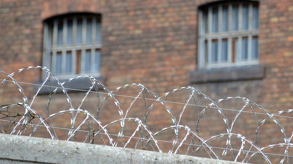 Justizvollzugsanstalt: Unterbringung von Migranten nicht rechtens