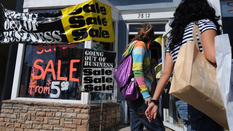 Sale Sale Sale: Die US-Amerikaner shoppen das Land aus der Krise