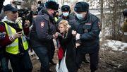 Russische Polizei nimmt Nawalnys Ärztin fest