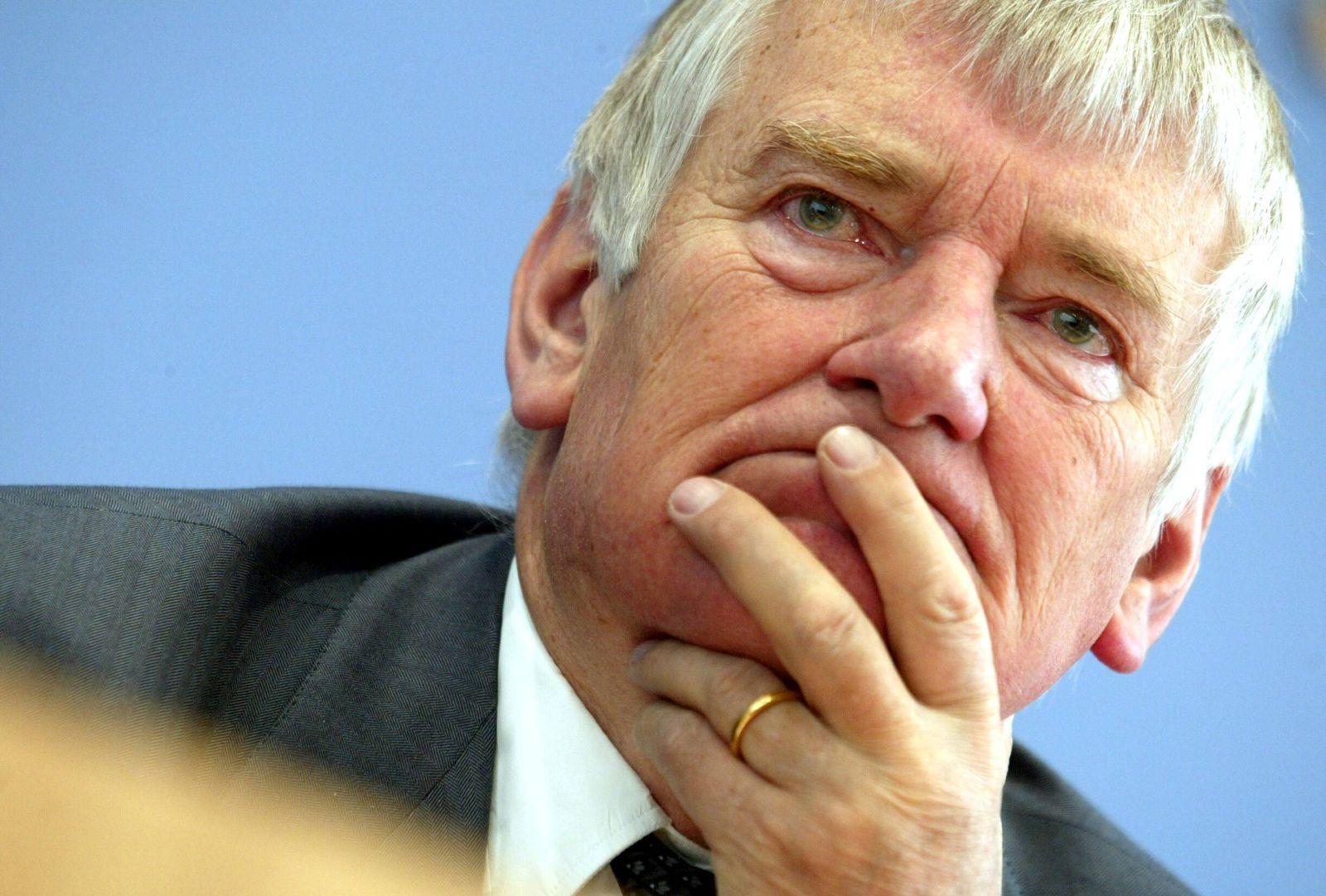 NICHT VERWENDEN Bundestagspraesidium verhaengt Ordnungsgeld gegen Schily