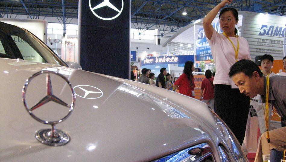 Mercedes-Stand auf einer Automesse in Peking: Druck von den Behörden