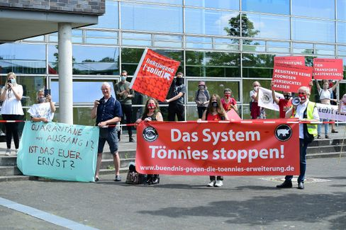 Demonstranten in Gütersloh
