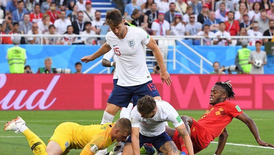 Eine der wenigen Torraumszenen im Spiel England gegen Belgien