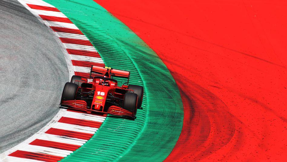 Auto mit der Nummer 16: Charles Leclerc im Ferrari
