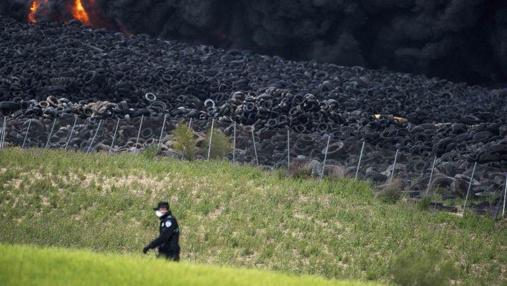 Brennende Mülldeponie in Spanien: 9000 Menschen werden nach Großbrand evakuiert