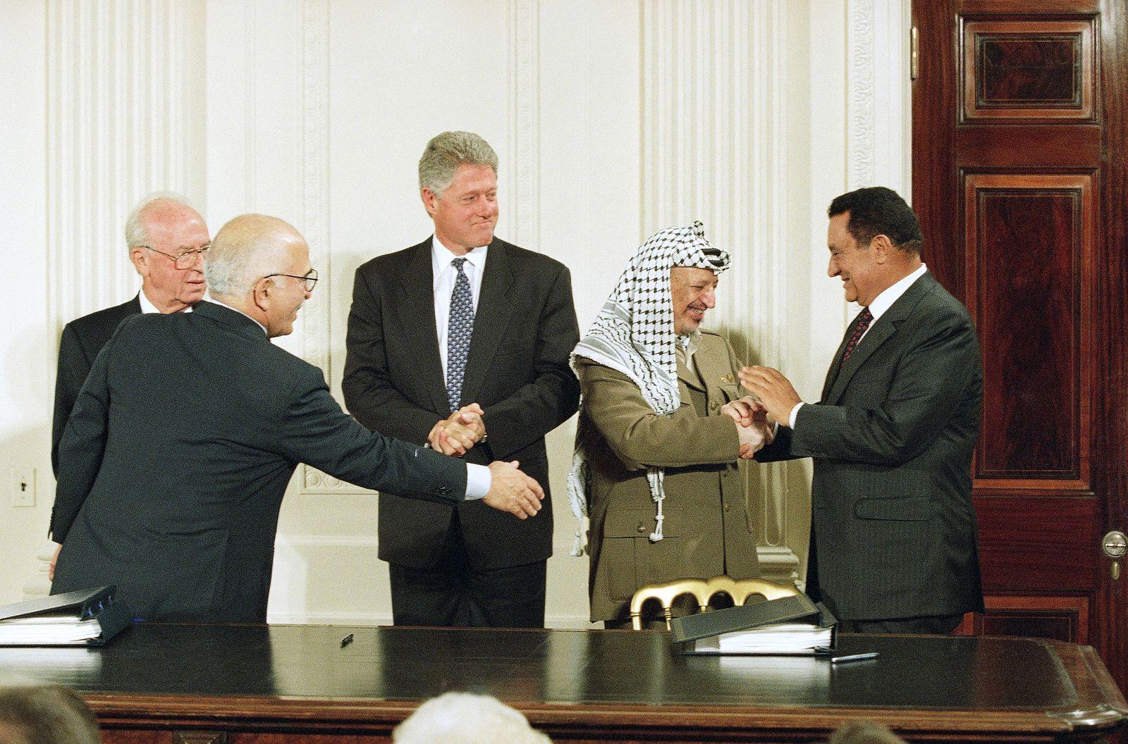 President Bill Clinton, Hosni Mubarak, Yasser Arafat