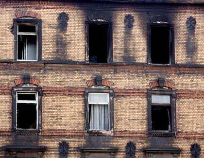 Das ausgebrannte Wohnhaus von Ludwigshafen: Ursache unklar